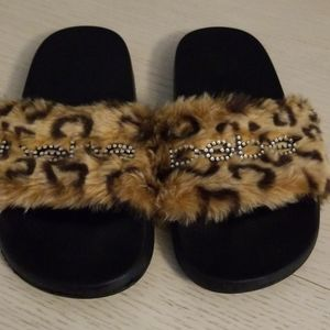 BEBE fur slippers size 7 New